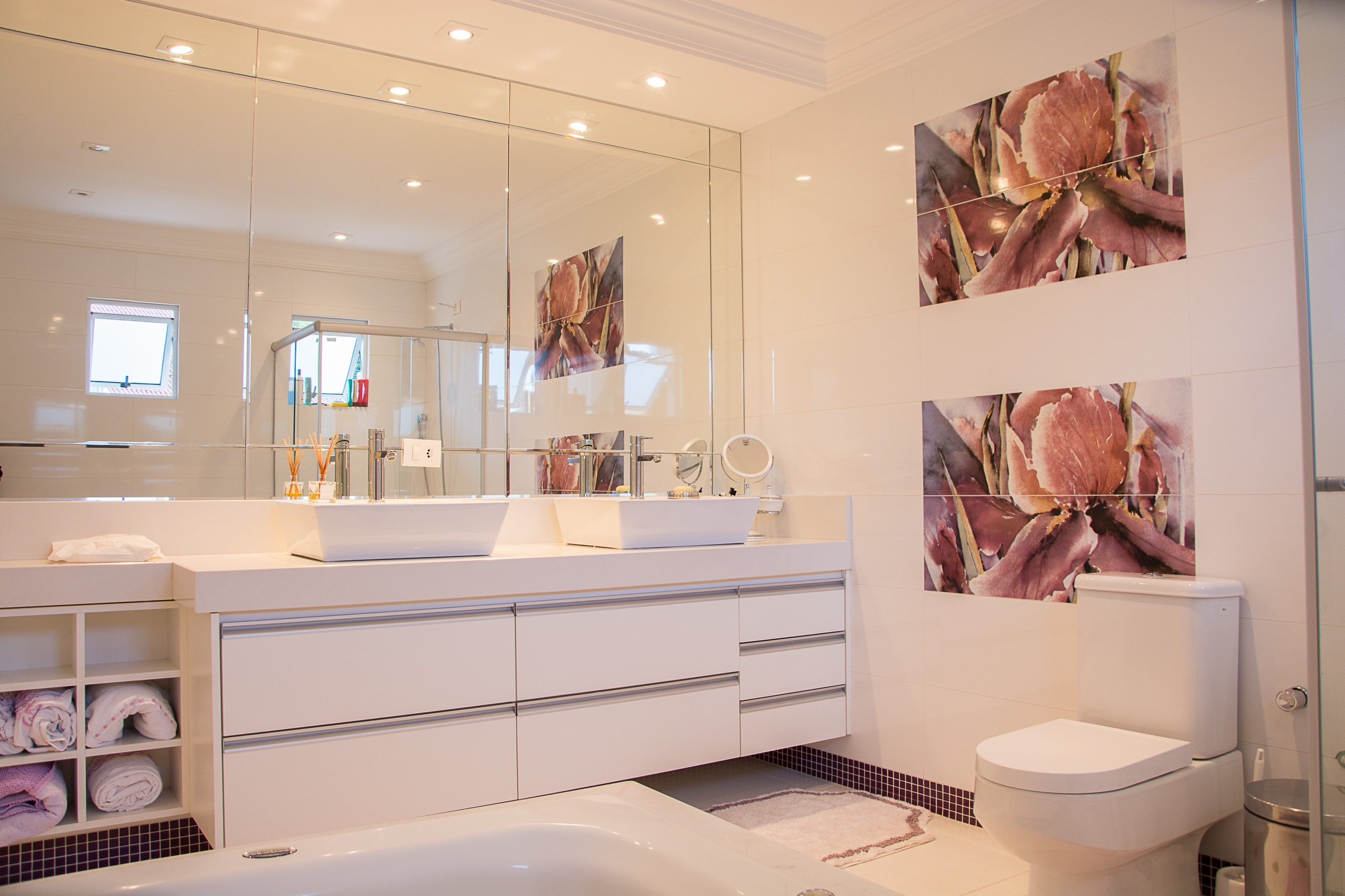 Bathrooms image